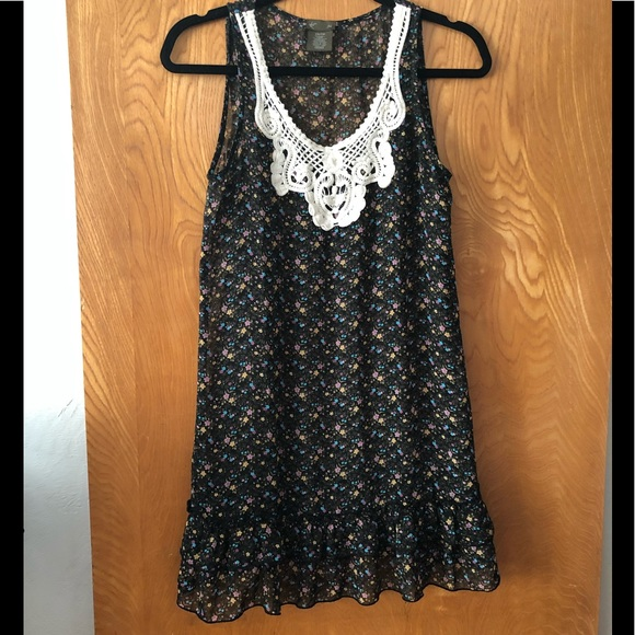 Anthropologie Dresses & Skirts - Fei Anthro midi tank dress with floral pattern XS